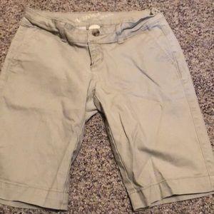 Bermuda Khaki Shorts!
